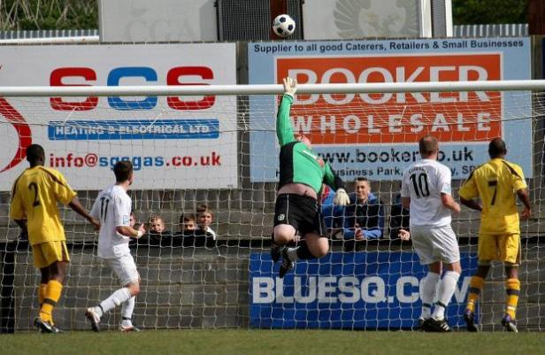 17-sp-sutton-united-salisbury-03